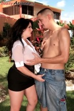 Arianna's XXX Encore: That babe Does The Lawn Boy